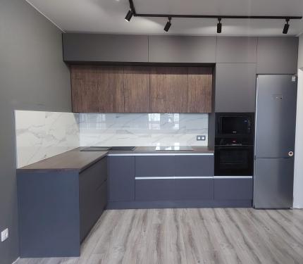 Кухонный гарнитур Графит/Старое дерево2